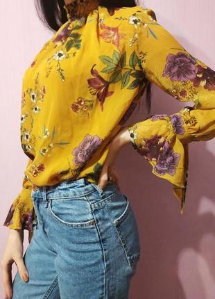 Блуза в цветочный принт bershka
