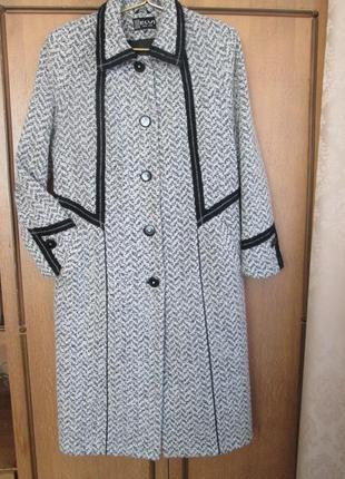 Демисезонное пальто elvi из шерсти букле