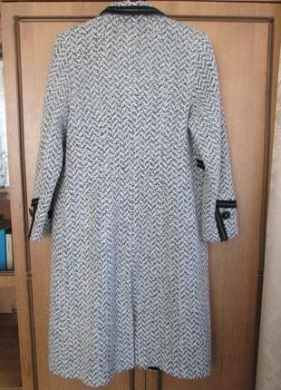 Демисезонное пальто elvi из шерсти букле2 фото