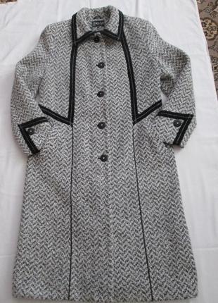 Демисезонное пальто elvi из шерсти букле3 фото