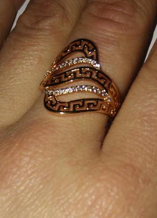 Кольцо,17,18,19 размеры.позолота.