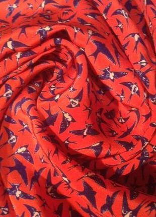 Скидка!!! эффектный яркий шелковый шарф с ласточками touring club швейцария