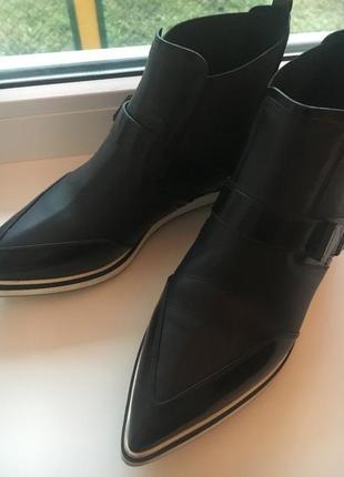 Ботиночки люксового бренда nicolas kirkwood