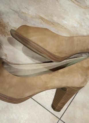 Туфли замшевые с открытым носком