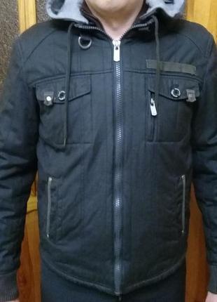 Мужская осенняя куртка colin's в идеальном состоянии