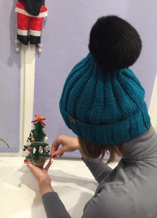 Модная  бирюзовая вязаная хендмейд шапка