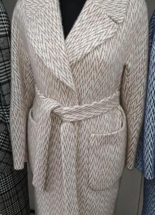 Теплое классическое пальто, размер 52