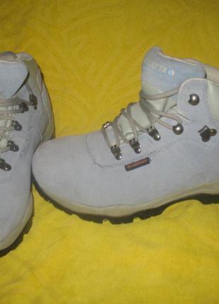 Зимние горные ботинки regatta