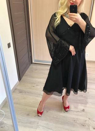 Роскошное вышитое стеклярусом платье р.24