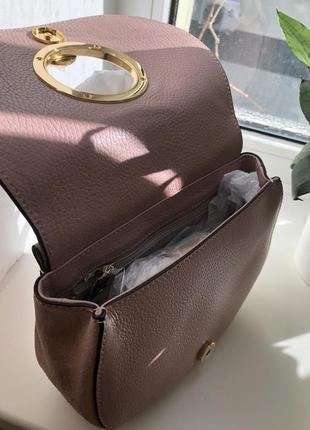 Бежевая сумка coccinelle италия сумочка4 фото