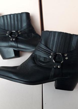 Іспанія нові чобітки казаки натуральна шкіра (24, 5 см)