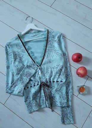 Женственный нежный свитер ,в составе ангора и кашемир..# 493