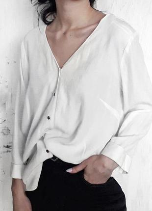 Классическая белая рубашка блуза с открытой спиной на завязках с декольте золотые пуговицы
