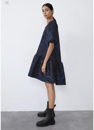 Крутое нарядное расклешенное платье от zara