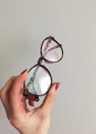 Модные имидживые очки