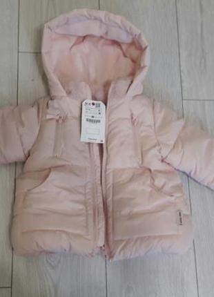 В наличие шикарная,фирменная куртка zara baby,пудровая 12-18 месяцев на модницу!зима!