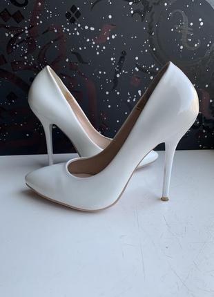 Свадебные белые туфли кожзам