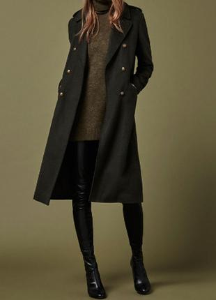Пальто must have bershka