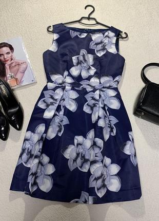Стильное платье,размер l маломерит