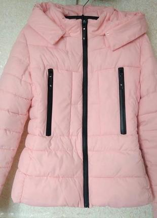 Приталенная куртка пудрового цвета xs-s