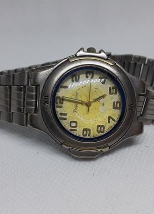 Часы philip persio с металлическим браслетом, винтажные, кварцевые