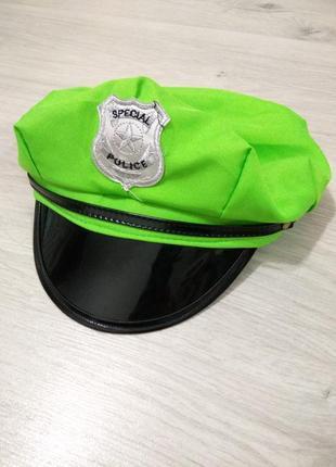 Маскарадная кепка полицейского.