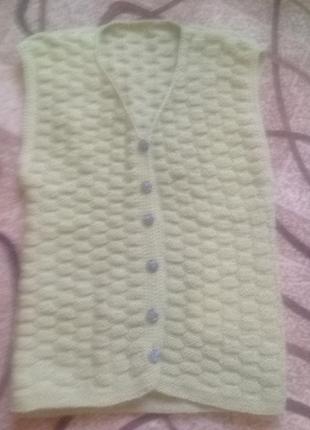 Очень теплый вязаный жилет hand made