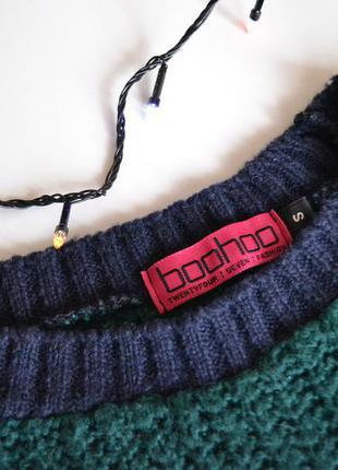 Классный вязаный свитер изумрудного цвета с синими рукавами от boohoo2