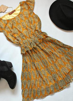 Очень стильное яркое платье!1