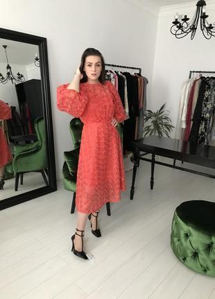 Zara миди платье с объёмными рукавами  и вышивкой, s-m