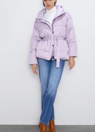 Куртка нереального кольору zara