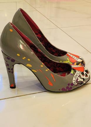 Очень необычные туфельки ed hardy оригинал2 фото