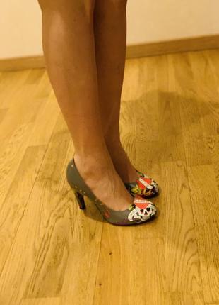 Очень необычные туфельки ed hardy оригинал4 фото