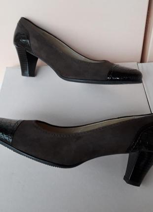 Guerini повністю шкіряні м'які туфлі (25, 5 см) повнота g стан нових