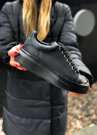 Alexander mcqueen black metal чёрные шикарные женские кроссовки белые2 фото