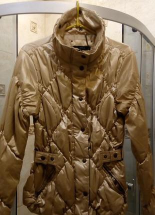 Куртка бежевая перламутровая-золотая, на синтепоне