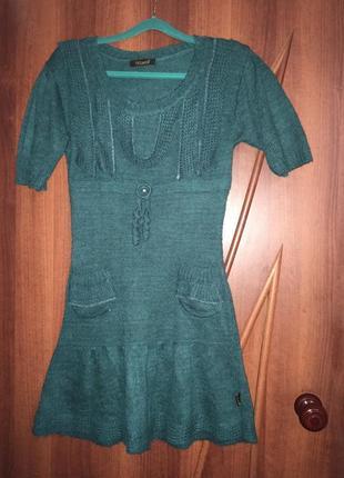 Вязаное тёплое шерстяное платье