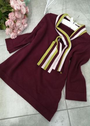 Ангора, кашемир свитер цвета бордо с оригинальным воротом в полоску.