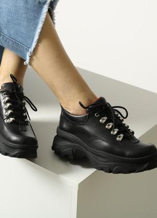 Скидка! женские кожаные черные ботинки на шнурках на массивной платформе натуральная кожа