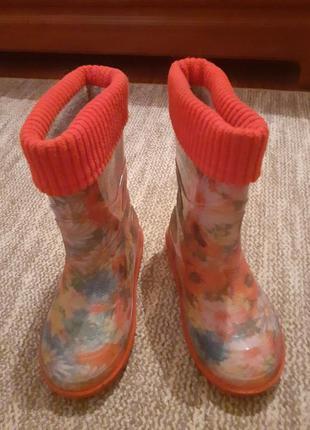 Гумові чобітки для дівчинки, розмір 28, довжина стельки 18 см. стан ідеальний.