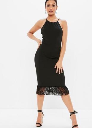 Шикарное платье миди с кружевной оборкой