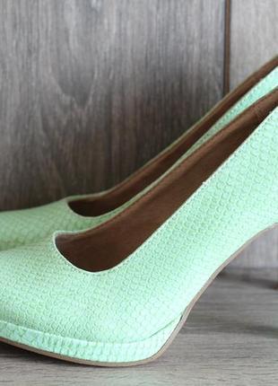 Стильные туфли под кожу рептилии tamaris на выпускной так и на каждый день!
