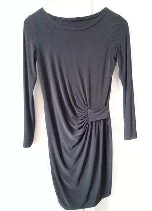Драпированное струящееся платье