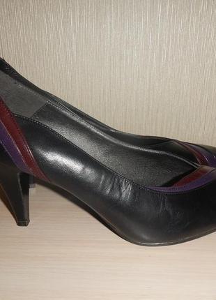 Кожаные туфли лодочки clarks р.36(5,5)