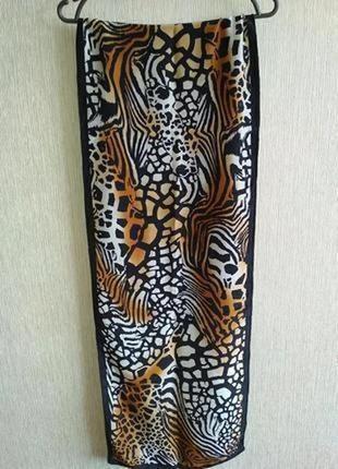 Трендовый шелковый шарф , шов роуль