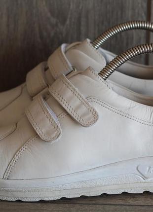 Кожаные туфельки на широкую ножку lofters