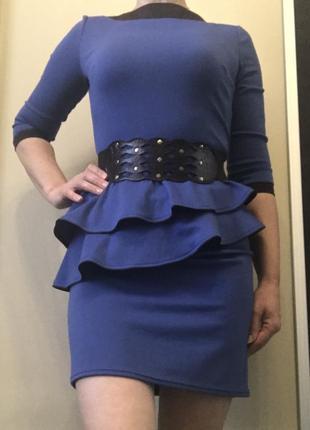 Платье короткое мини с баской