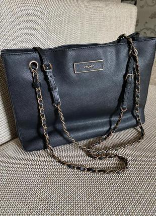 Красивая и элегантная сумка dkny сафьяновая кожа