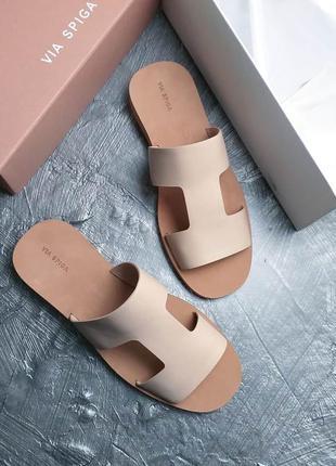 Via spiga оригинал кожаные бежевые сандалии