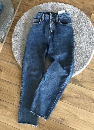 Стильные джинсы прямого кроя bershka размер 36 s-m